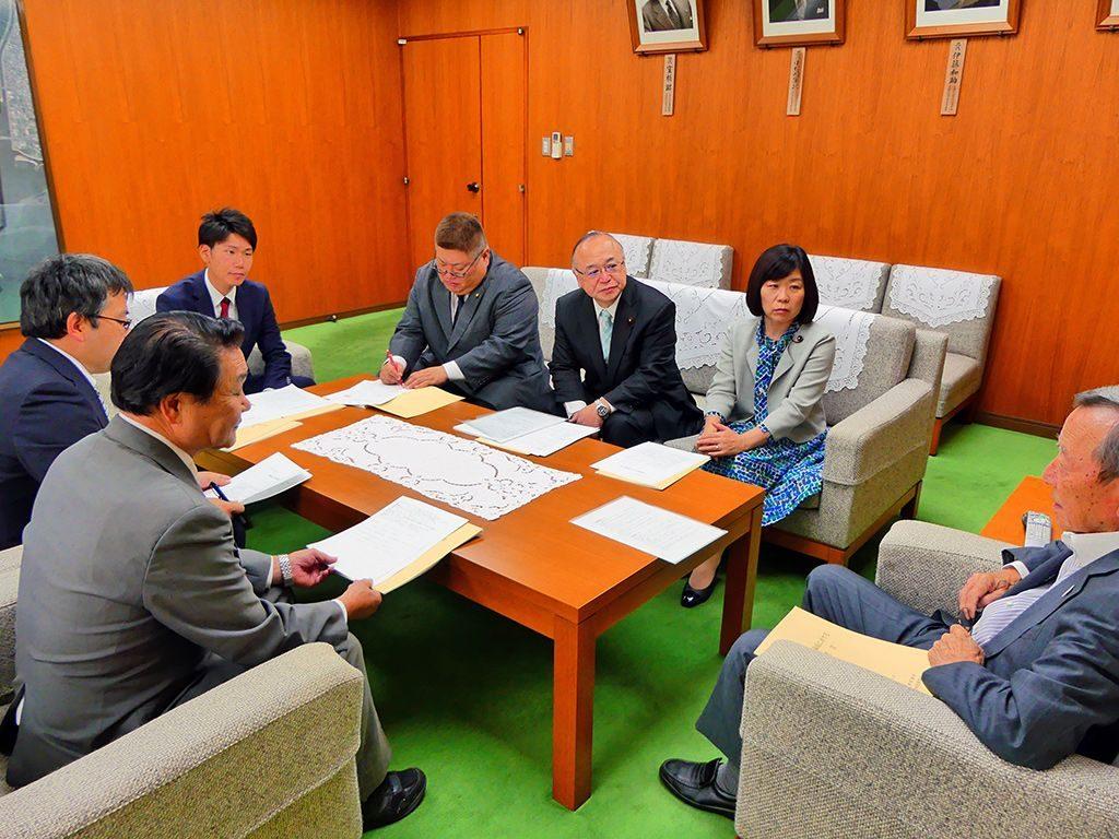 江東区長に「水害対策について緊急申し入れ」を行いました。